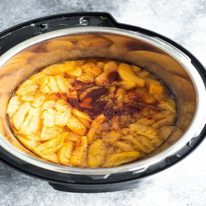 Making applesauce in an Instant Pot