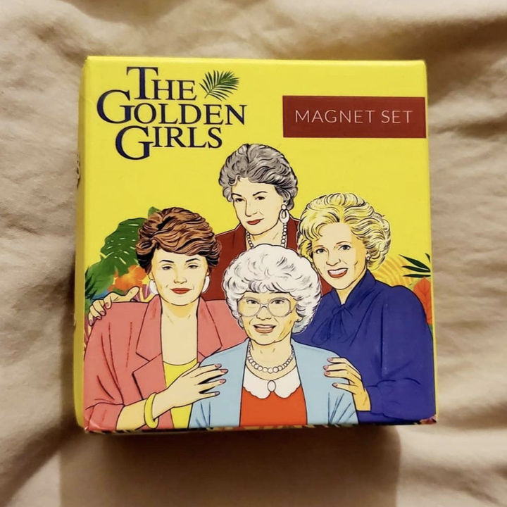the packaging of the magnet set