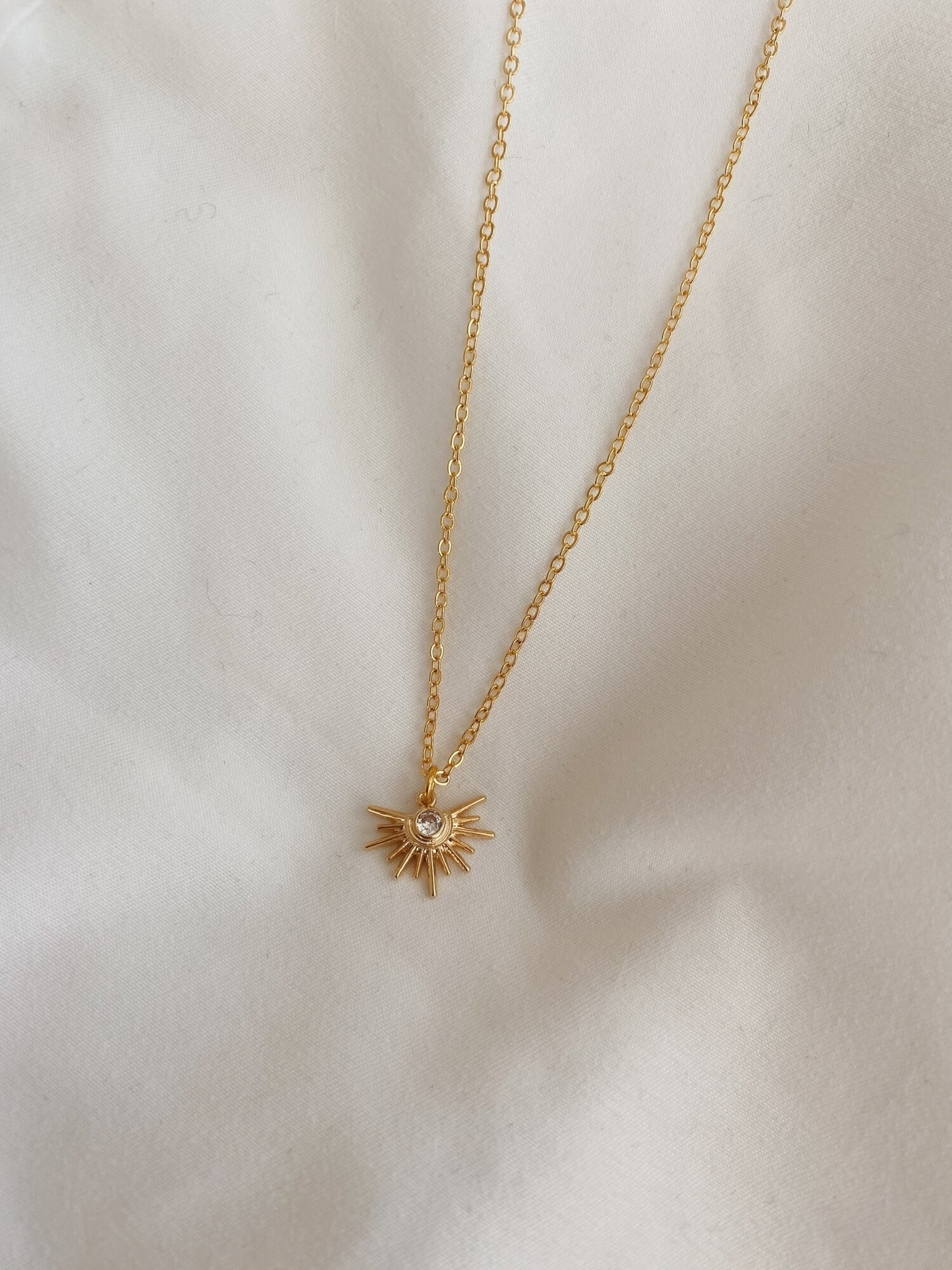 starstruck gold necklace