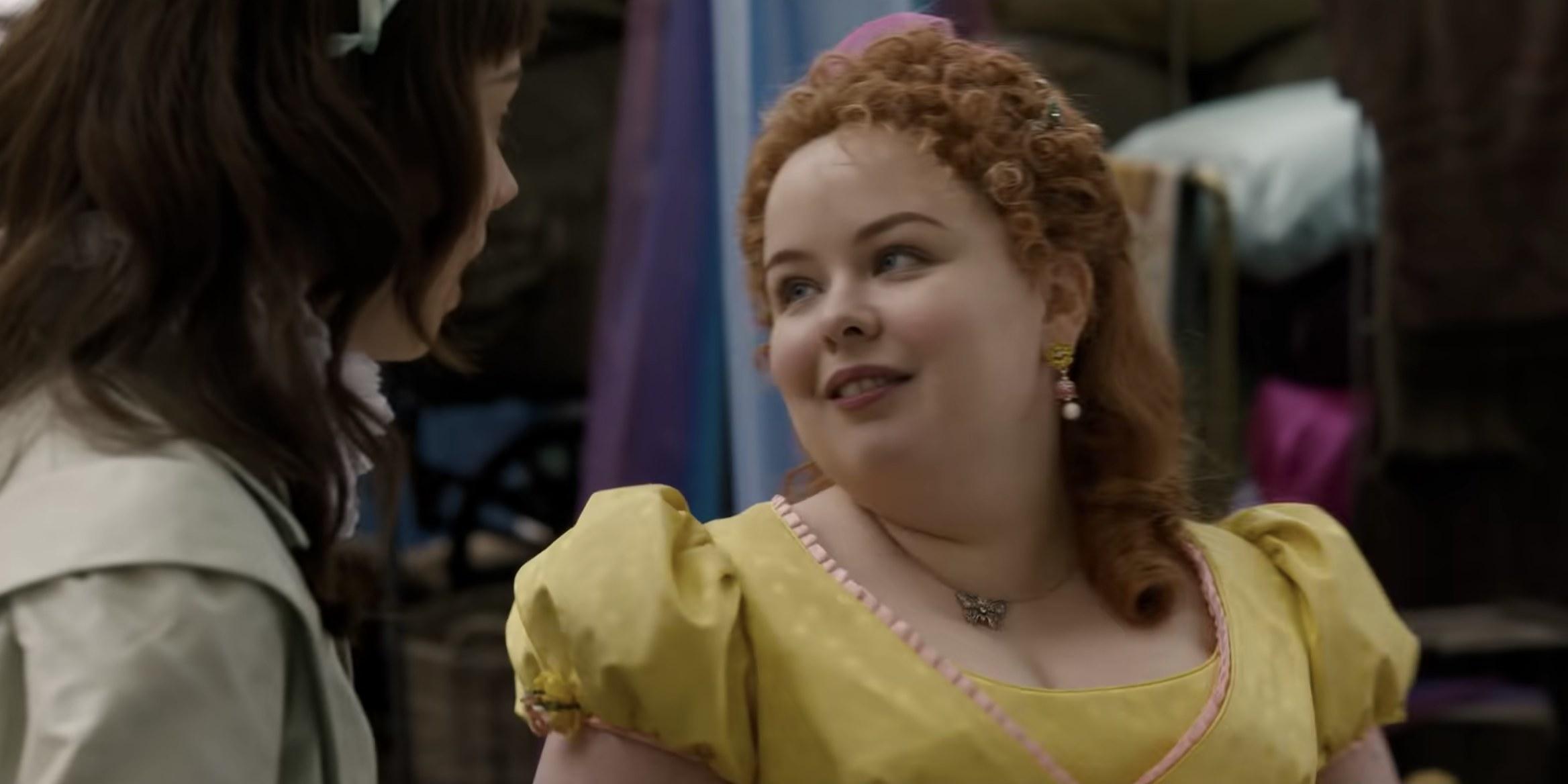 Penelope talking to Eloise in Bridgerton