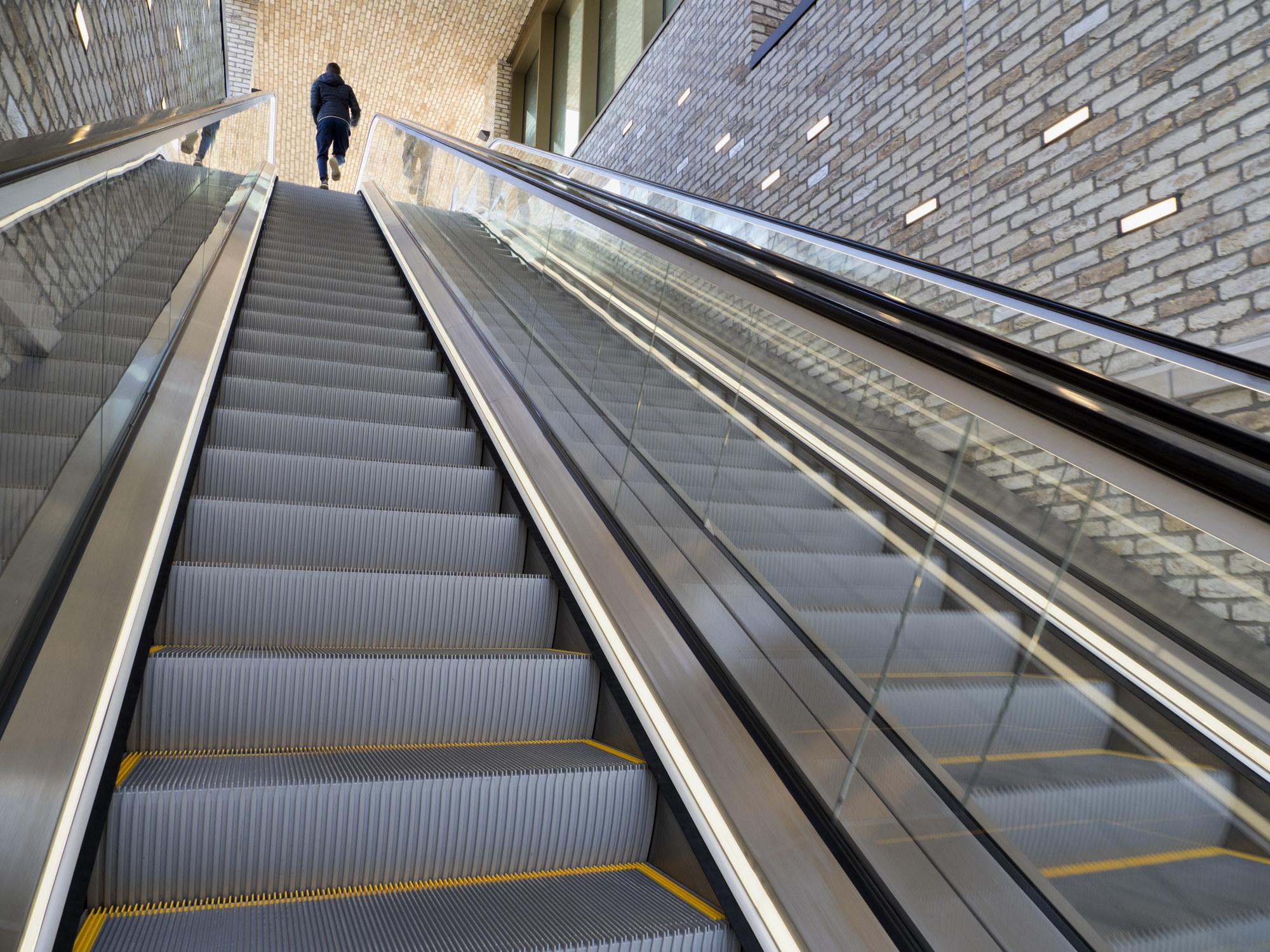 An escalator in a shopping center