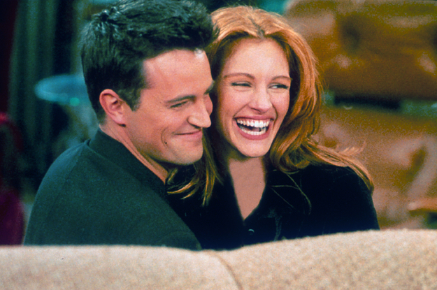 """Julia Roberts Apparently Told Matthew Perry She Would Only Appear On """"Friends"""" If He Wrote A """"Paper On Quantum Physics,"""" And He Did It"""