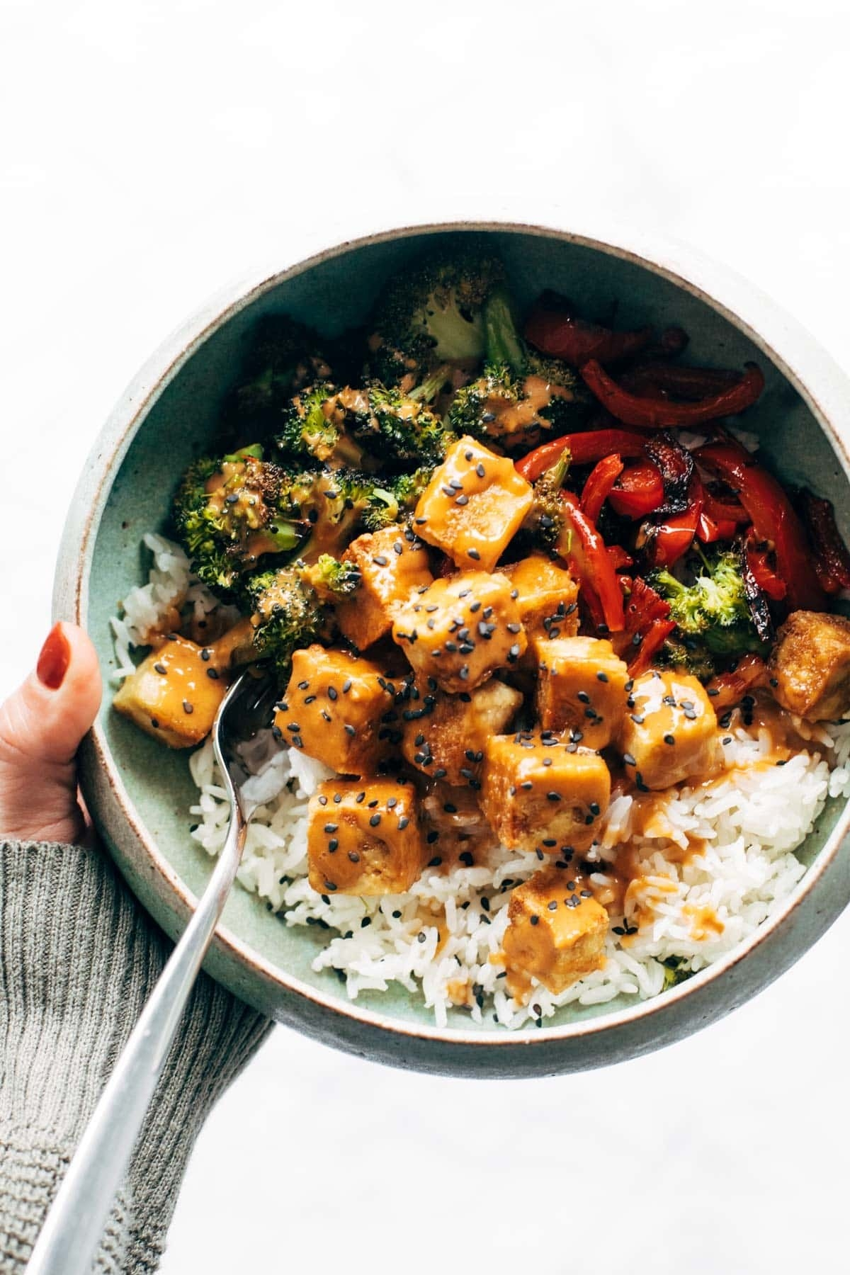 Spicy peanut tofu bowls