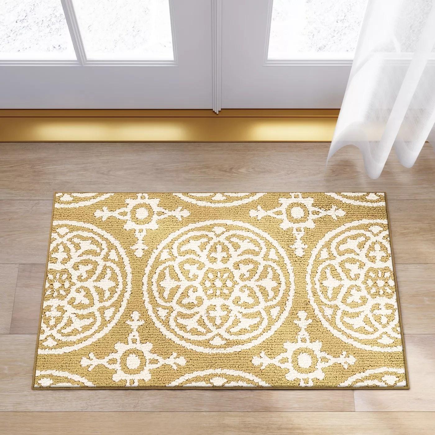 The mat set in front of a garden door