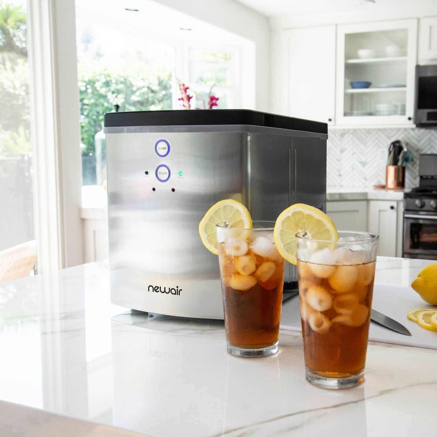 The portable ice maker