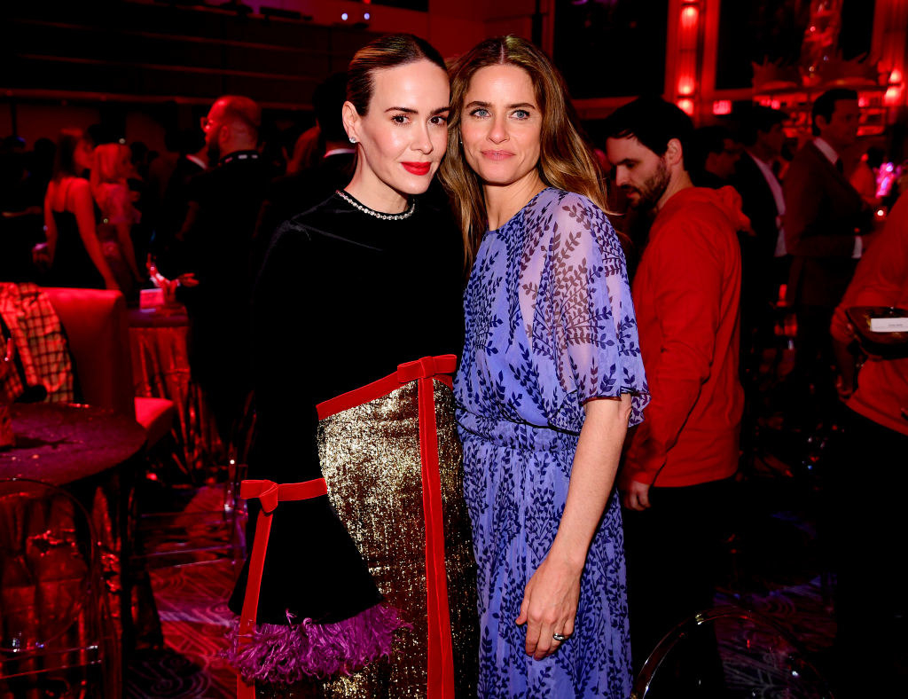"""Sarah Paulson and Amanda Peet standing together at the """"Game of Thrones"""" premiere party in 2019"""