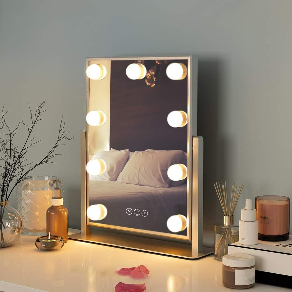The light-up mirror with nine bulbs in the silver color