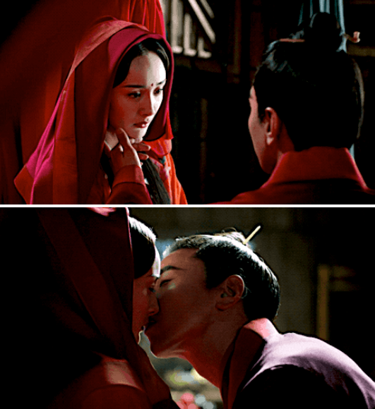 "Yang Mi and Mark Chao's characters kissing in ""Eternal Love"""