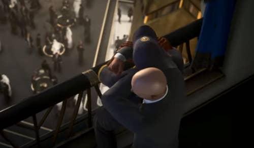 Agent 47 subdues a guard