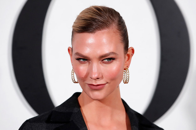 Image of article 'My Head Is Spinning After Karlie Kloss Replied To Someone On Twitter About Jared Kushner And Ivanka Trump'