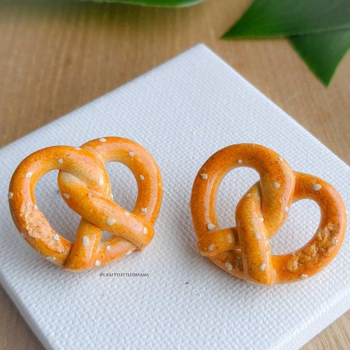 the pretzel stud earrings