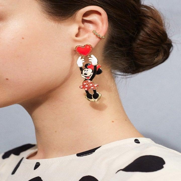 model wearing the minnie earring