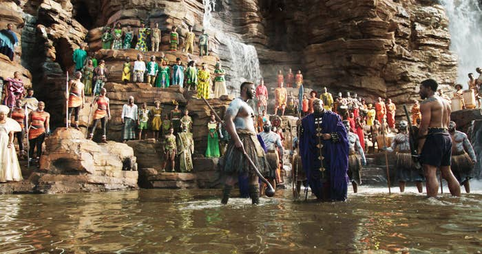 M'Baku and T'Challa face off for a fight at the waterfalls in the movie Black Panther
