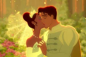 tiana and naveen kissing