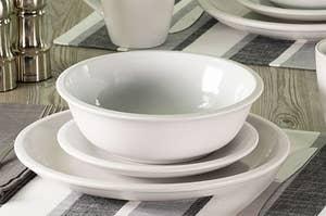 The white stoneware set on a table