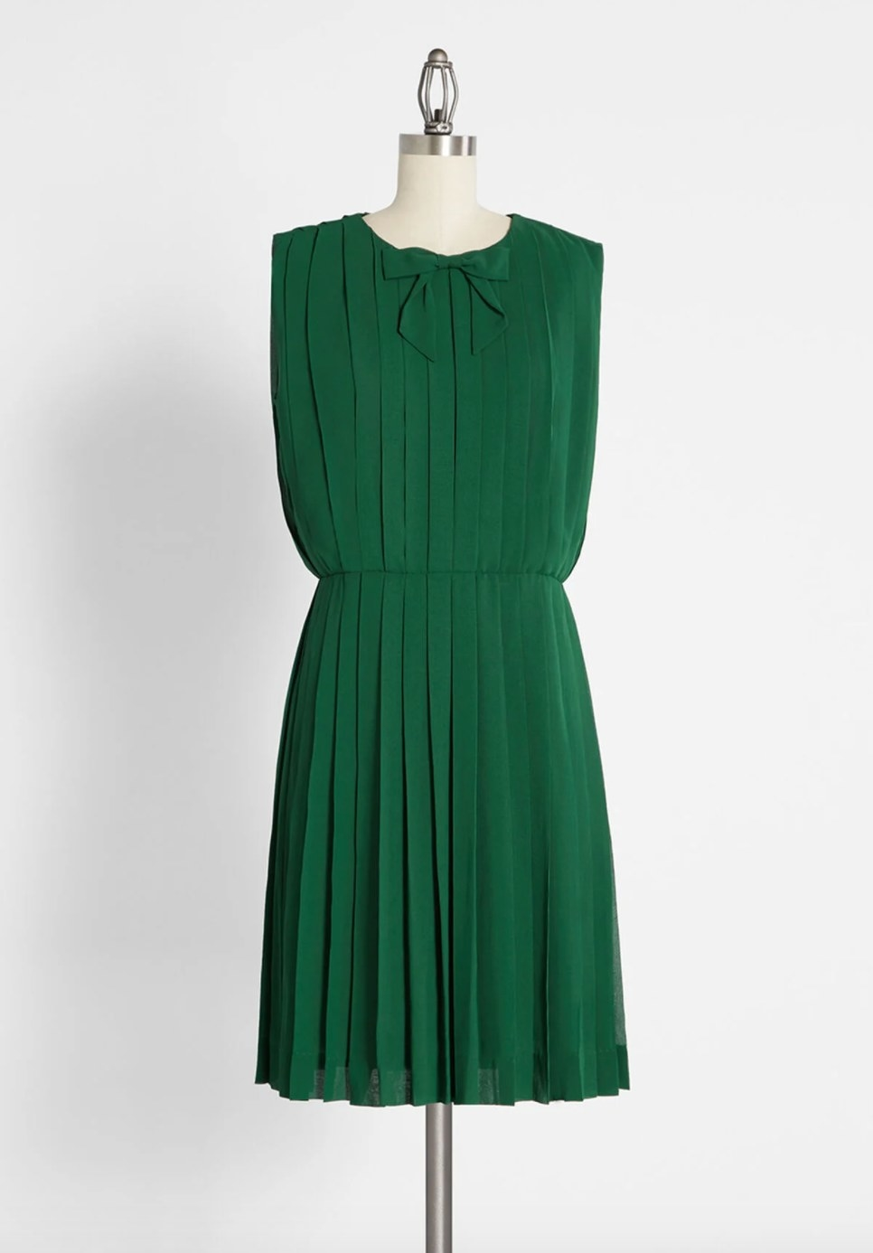 The pleated dress in green