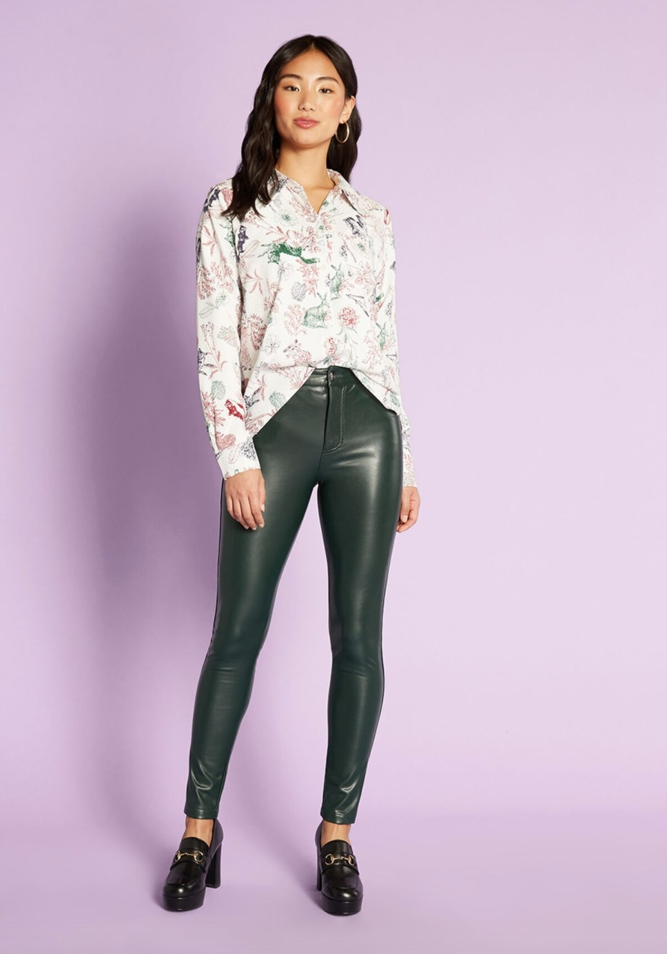 The gleam skinny pant in green