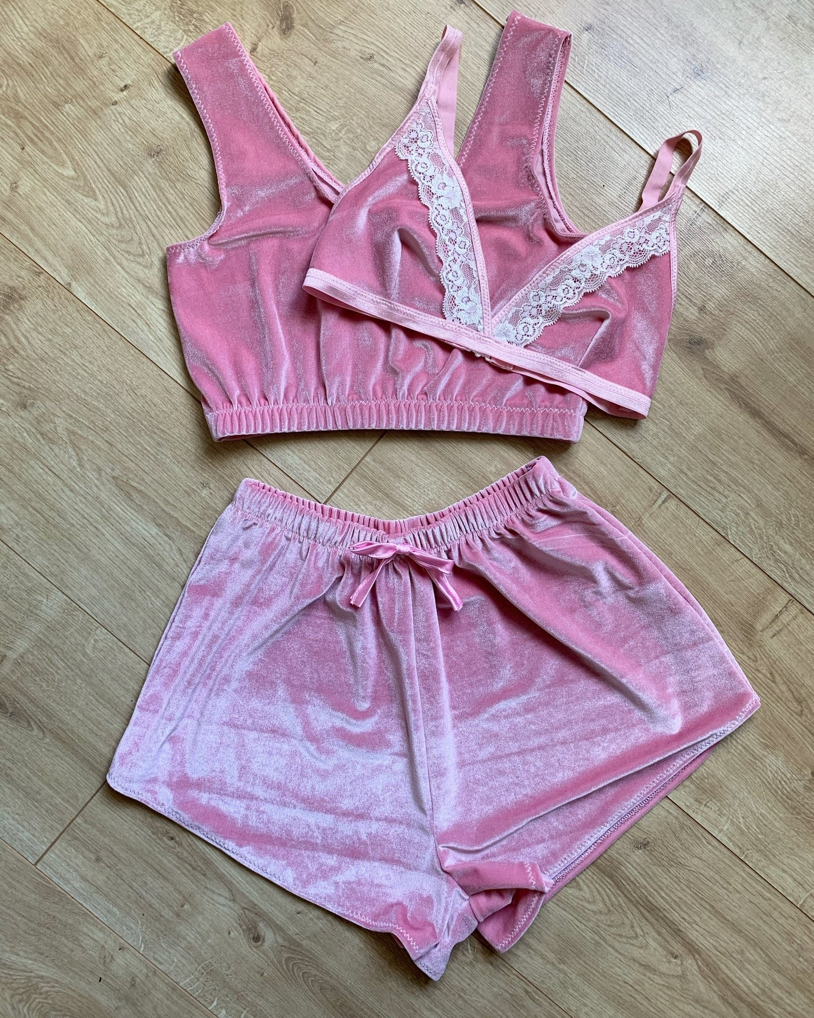 the layla velvet loungewear set laid out on the floor