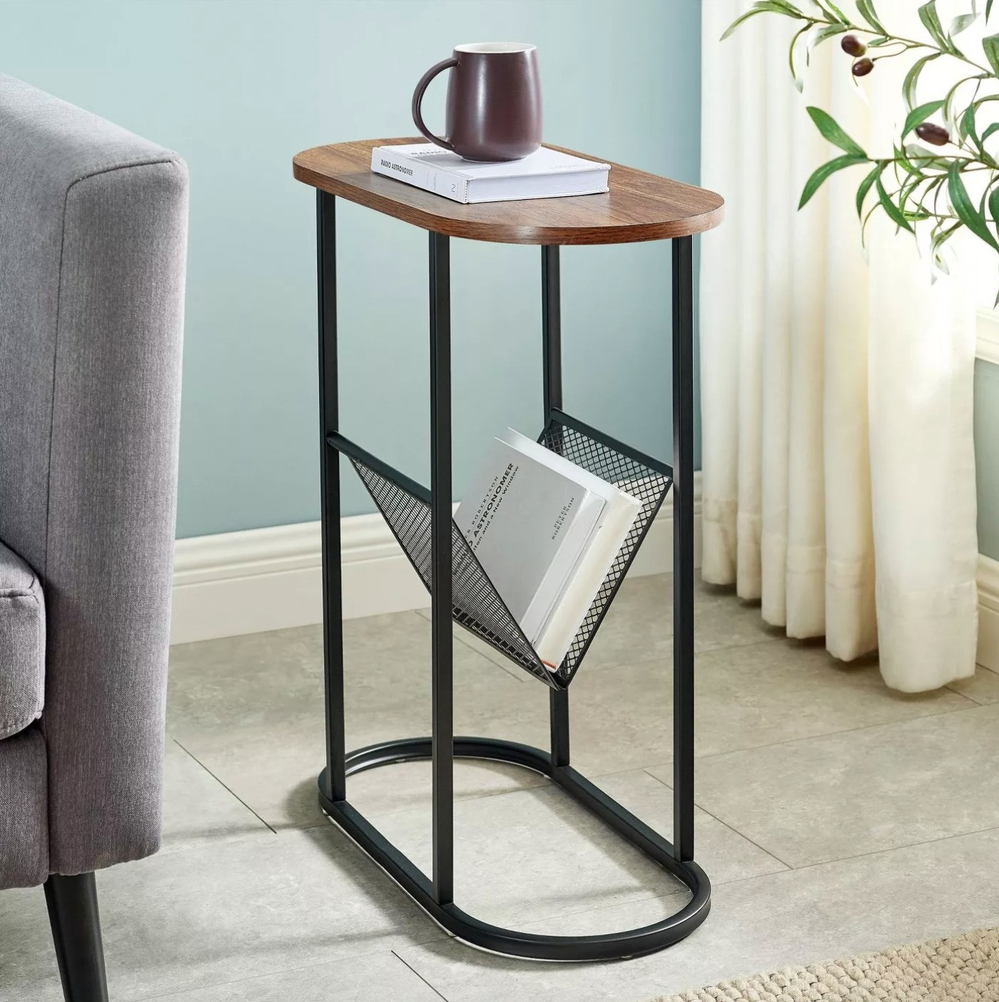 The accent end table