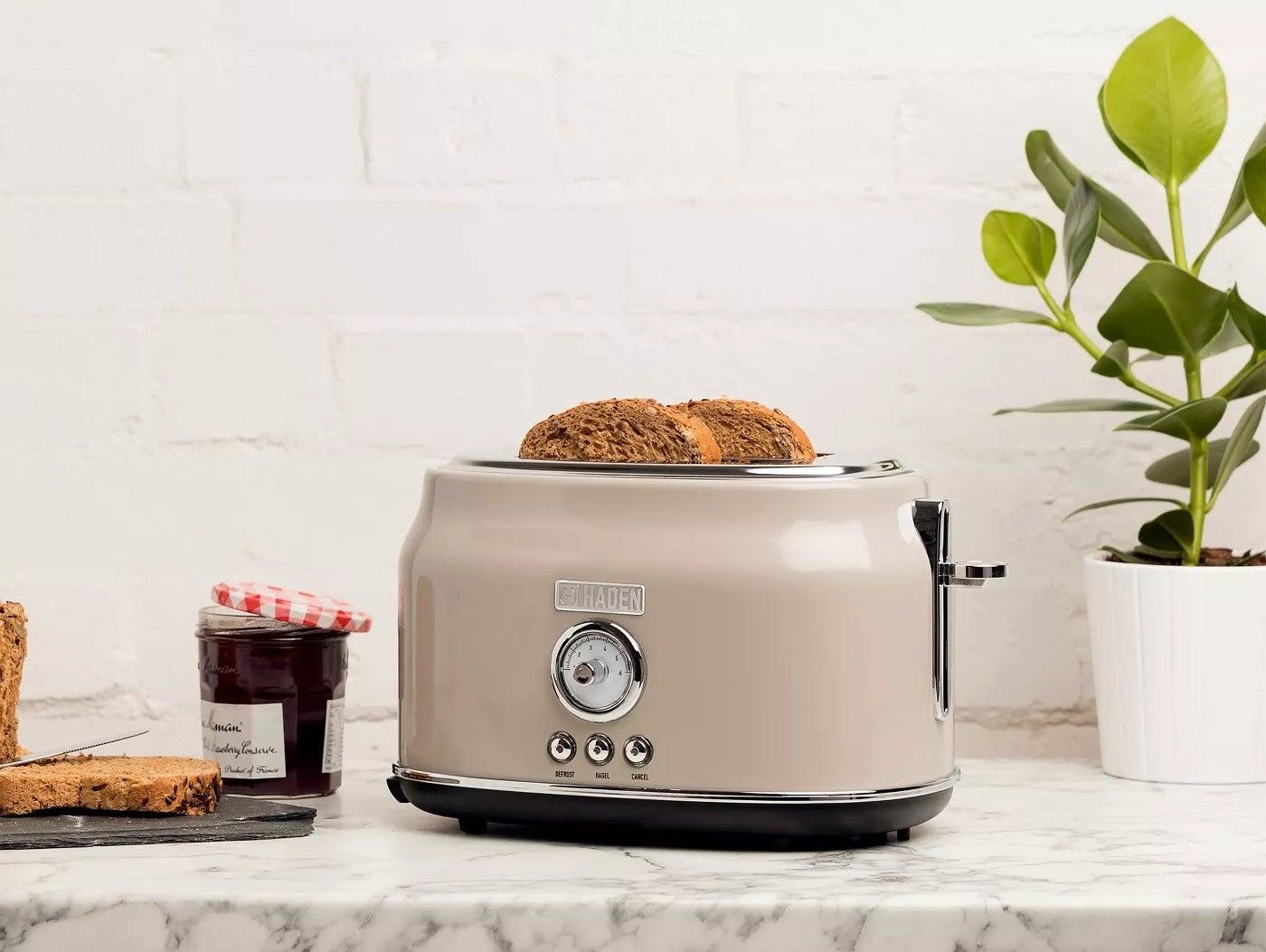 toaster on kitchen counter