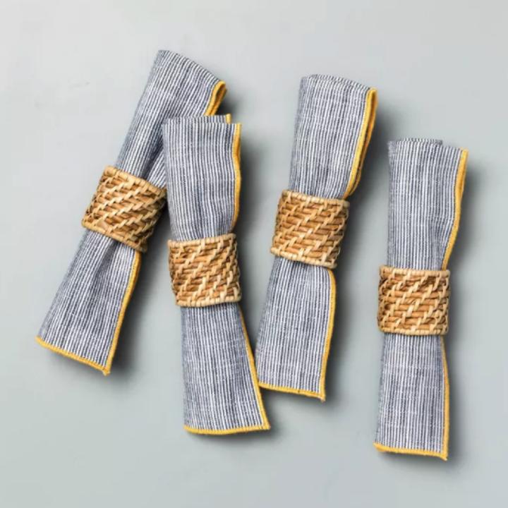 the napkin rings on napkins