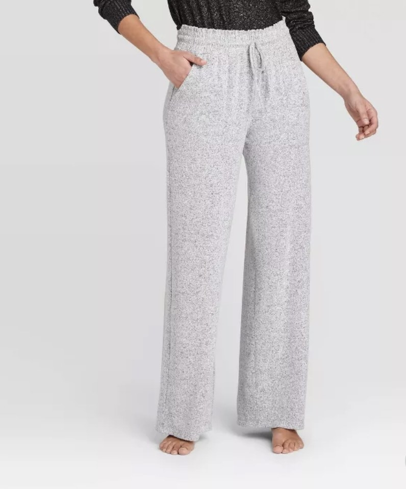 the lounge pants in gray