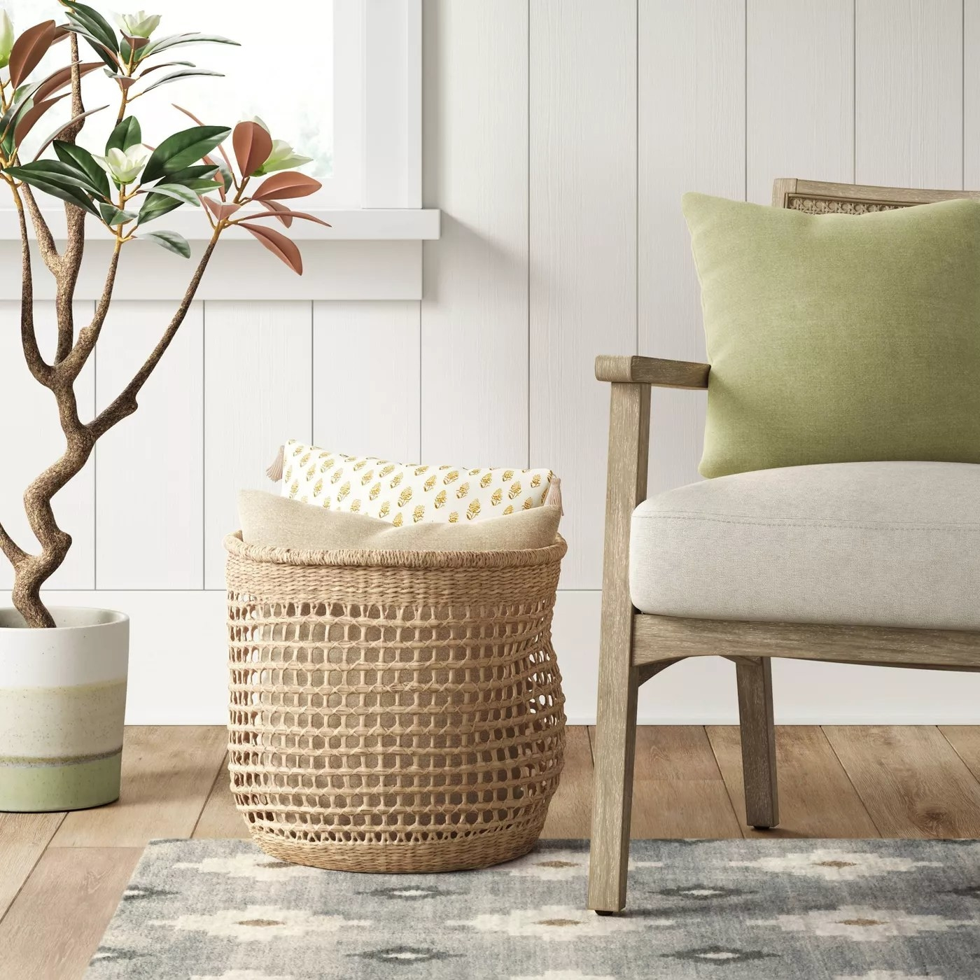 The basket filled with pillows
