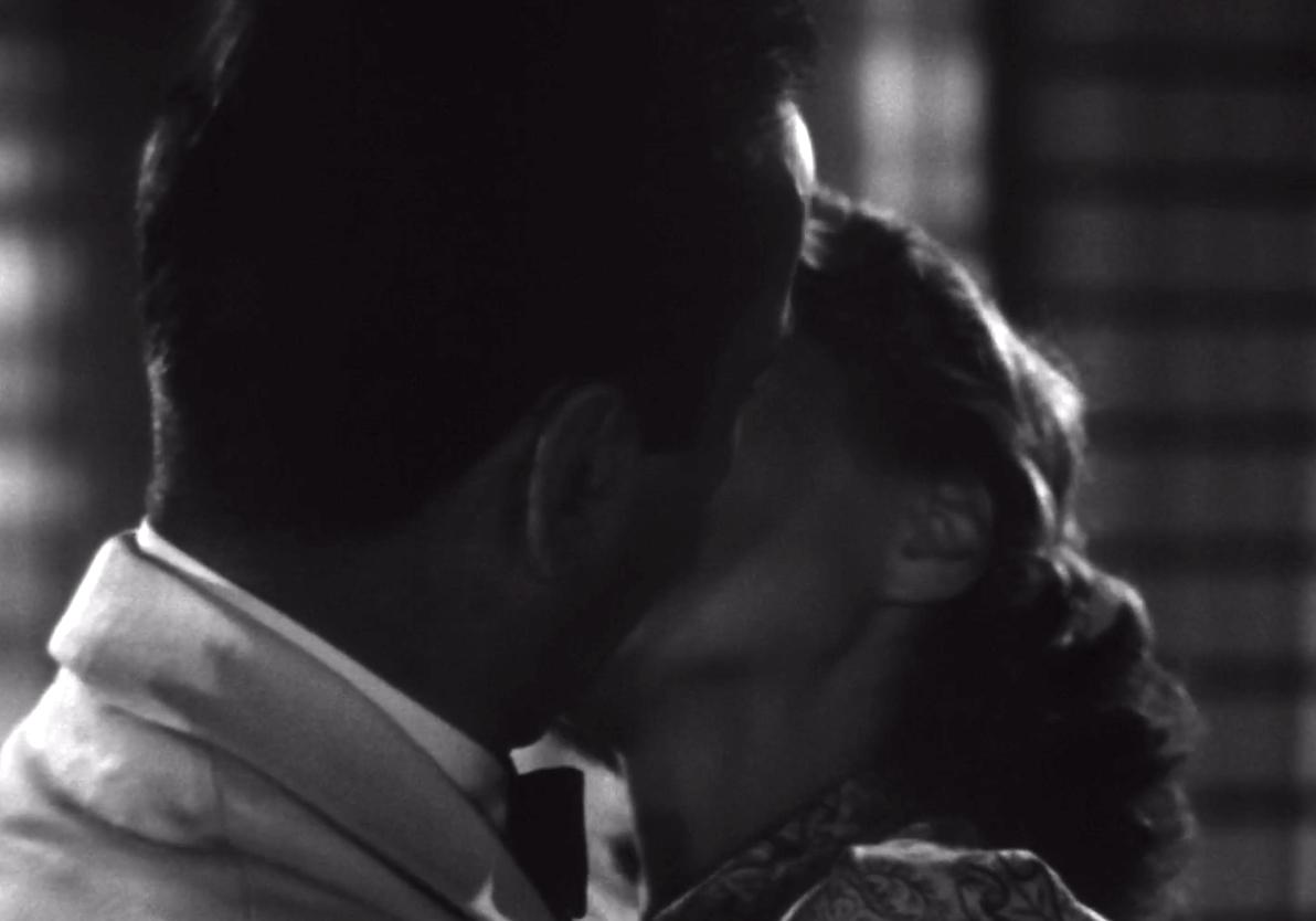 Rick and Ilsa kissing