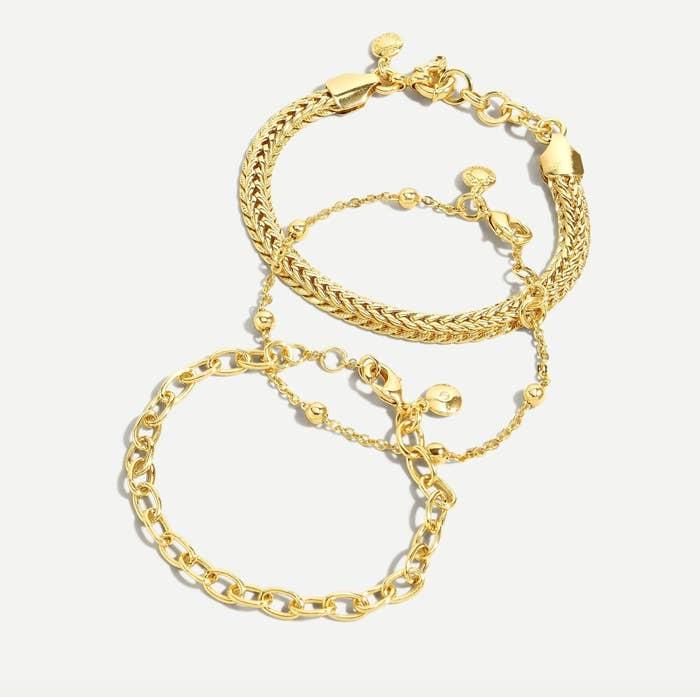 The gold chain bracelet set