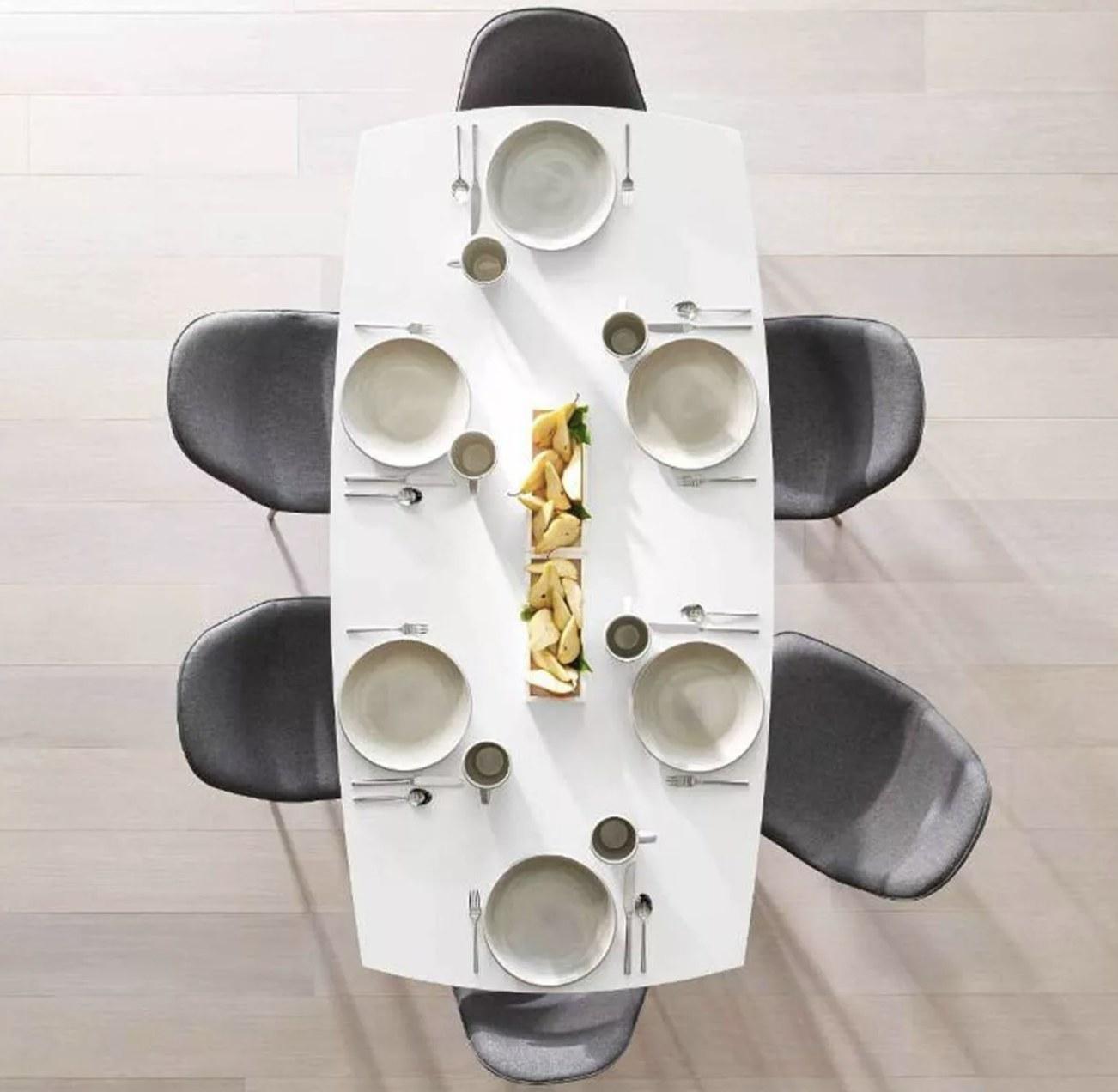 The flatware set
