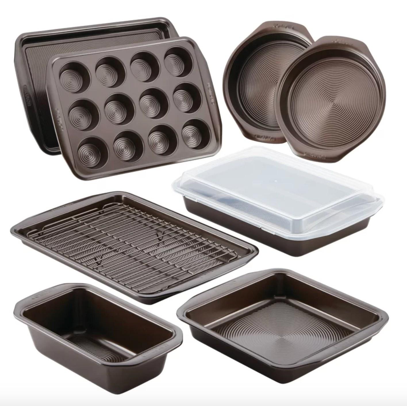 The 10-piece nonstick steel bakeware set
