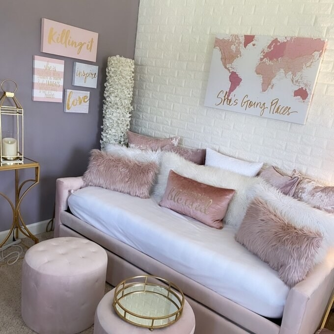 Review photo of the pastel pink daybed