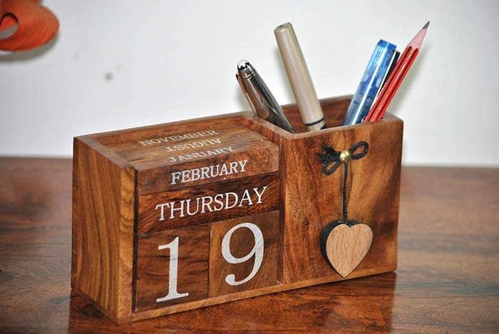 The wooden desk calendar