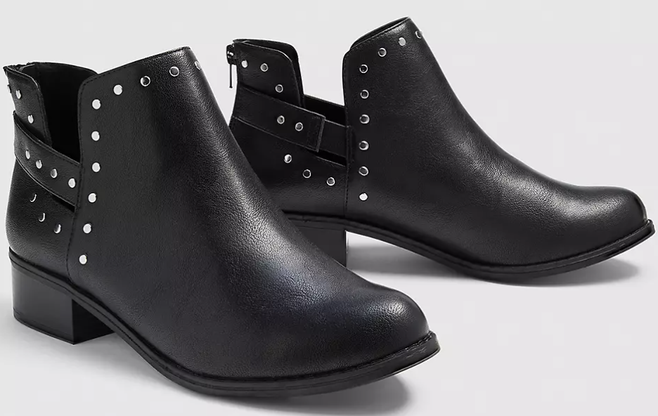 dream cloud studded booties in black