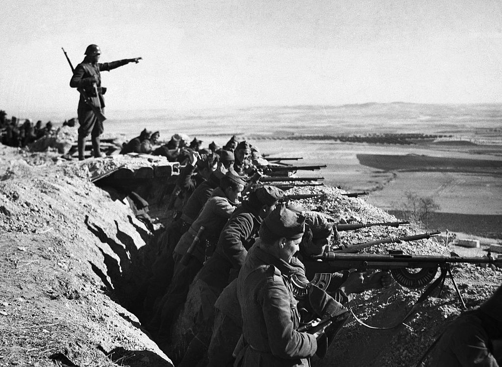 A photo from 1936 of Spanish soldiers