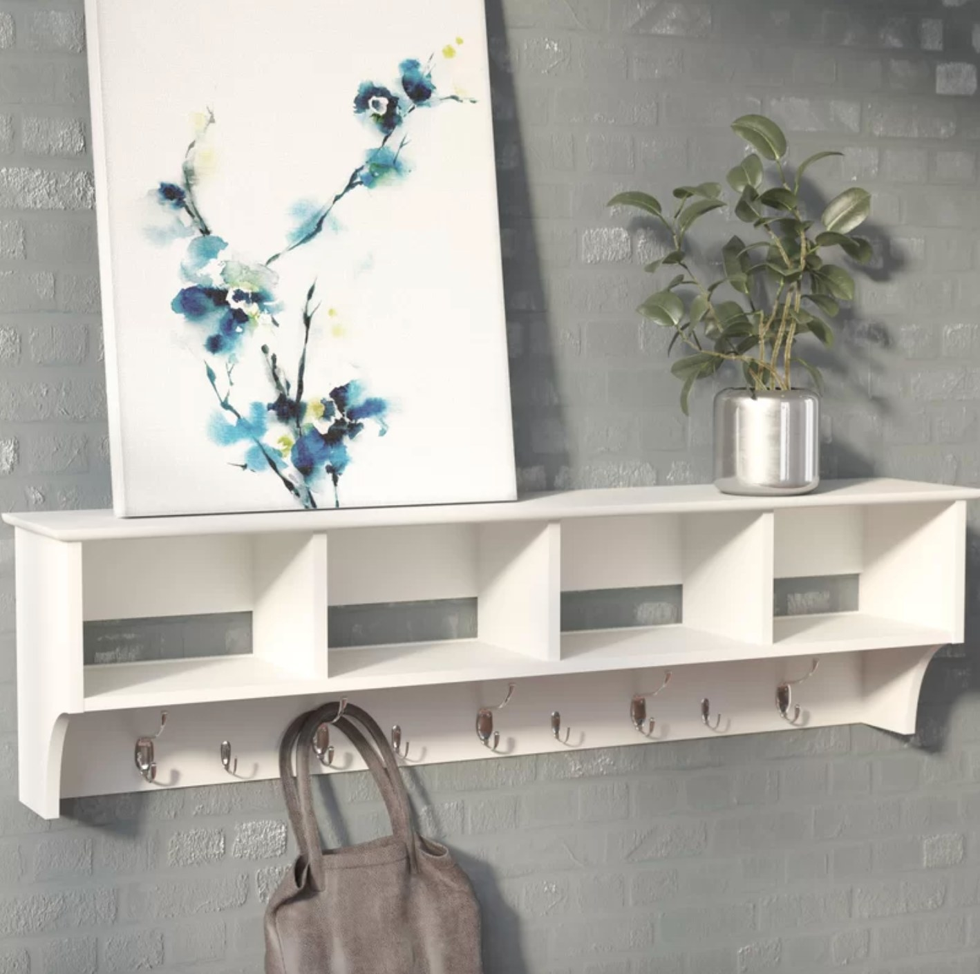 The mounted coat rack in white