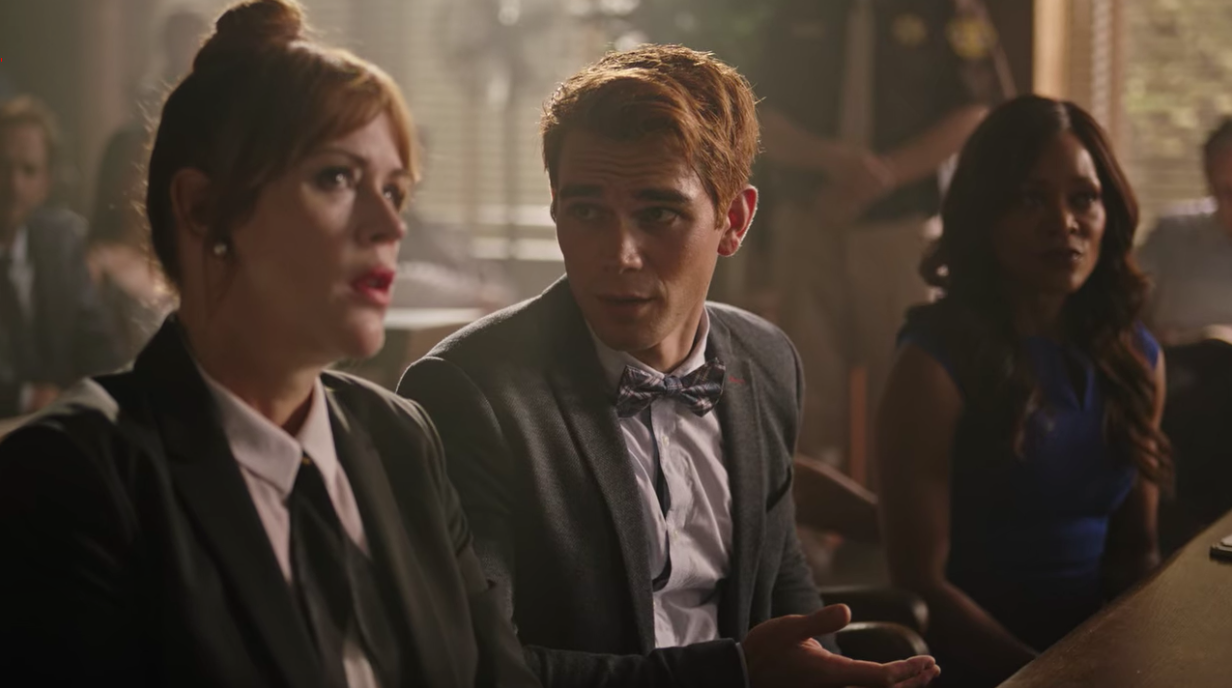 """Archie and his mom in court on """"Riverdale"""""""