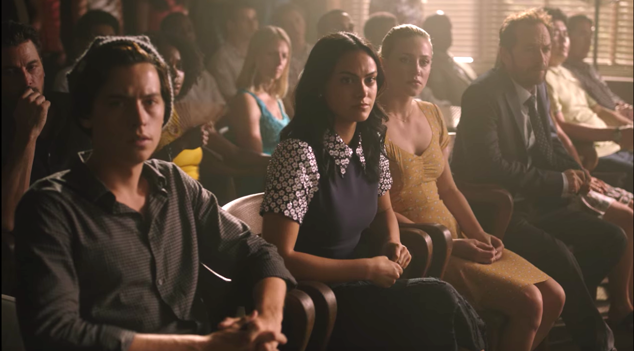 """""""Riverdale"""" packed courtroom for Archie's trial"""
