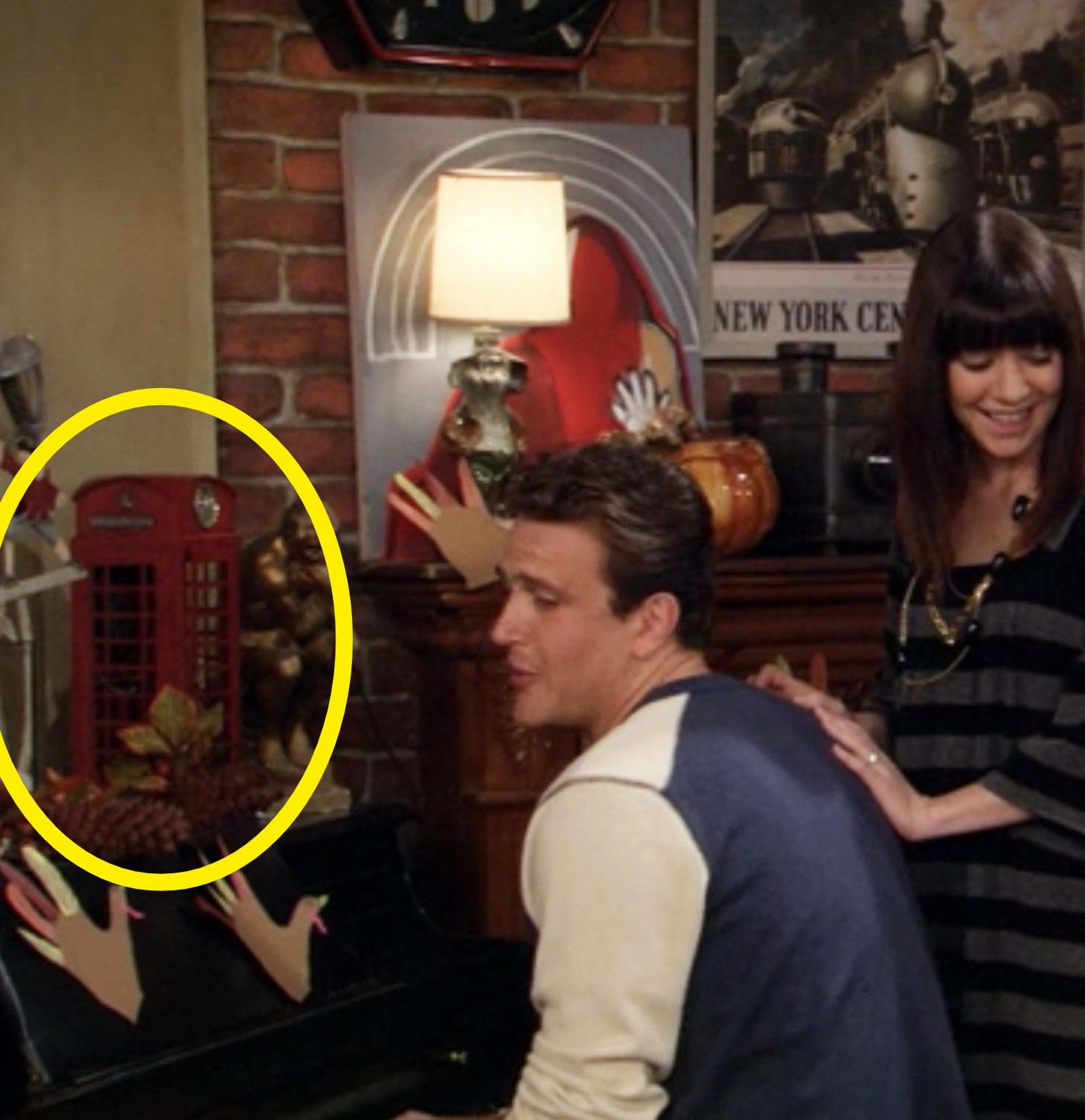 A circle showing the red phone booth in How I Met Your Mother