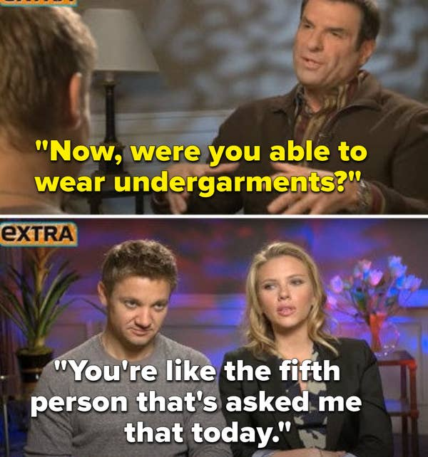 Pewawancara bertanya kepada Scarlet apakah dia memakai pakaian dalam di balik kostumnya