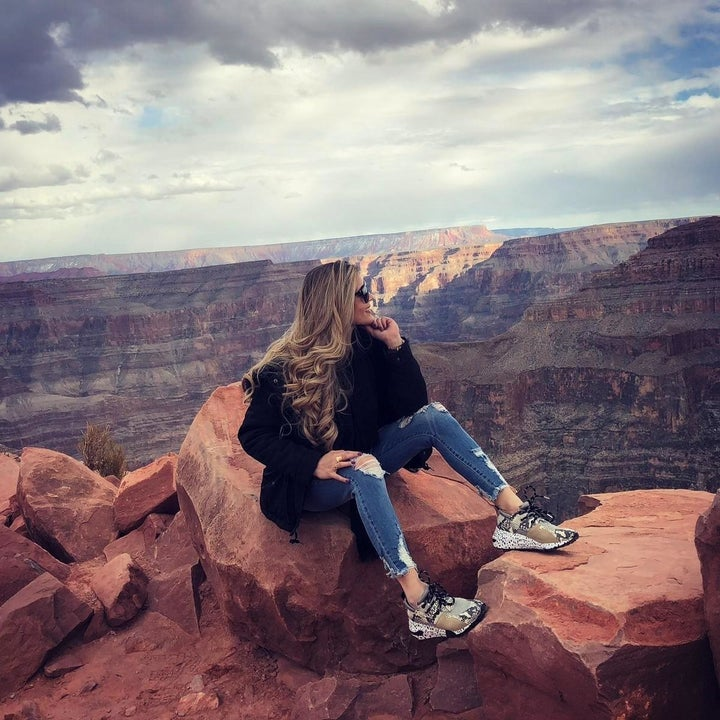 a different reviewer wearing the sneakers while at the Grand Canyon