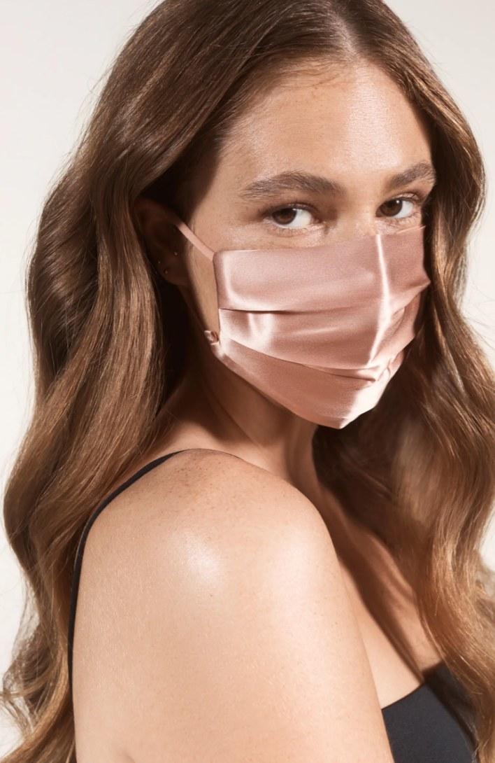 The Slip silk face mask in rosegold