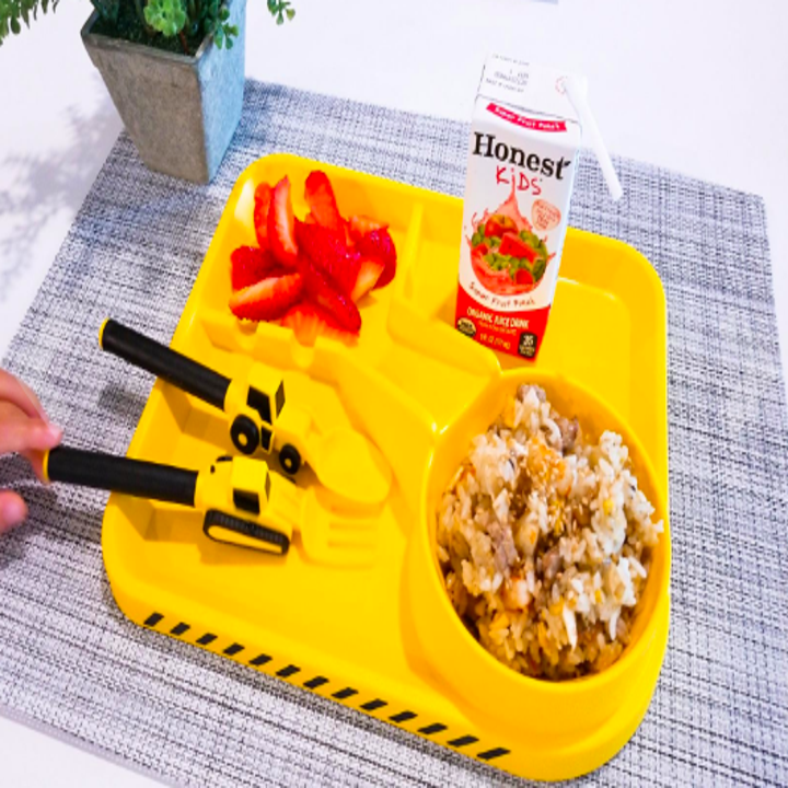 Reviewer image of the tray with construction truck utensils and road divider design