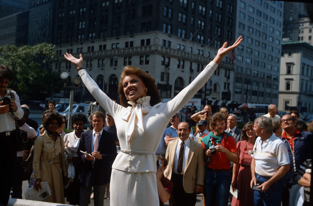 Vanessa Williams poses for photographers after being crowned Miss America in1983 in New York City