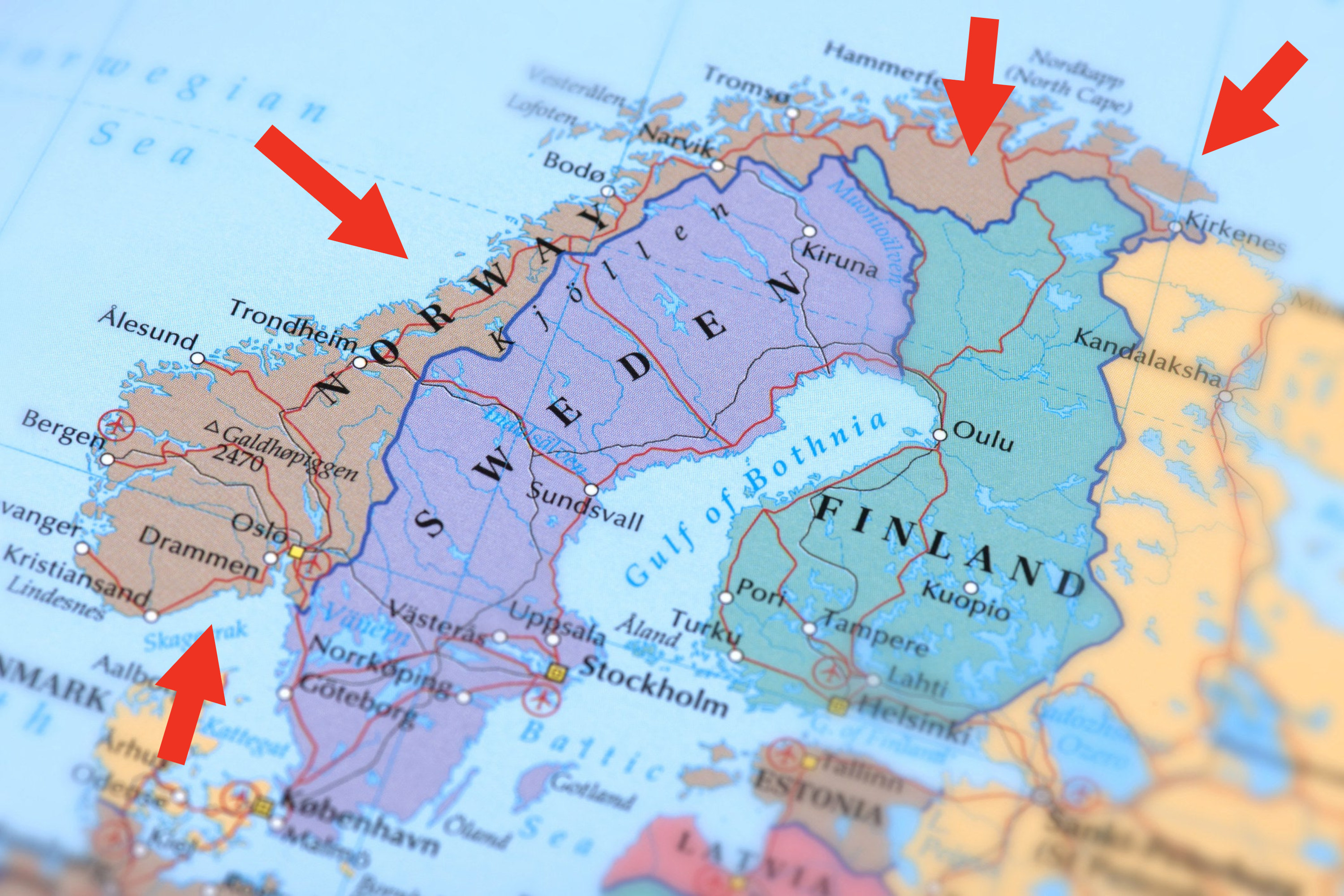 a map of norway wrapping around finland