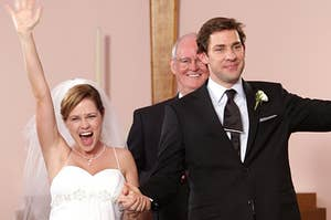 """Pam and Jim from """"The Office"""" just married during their wedding episode"""