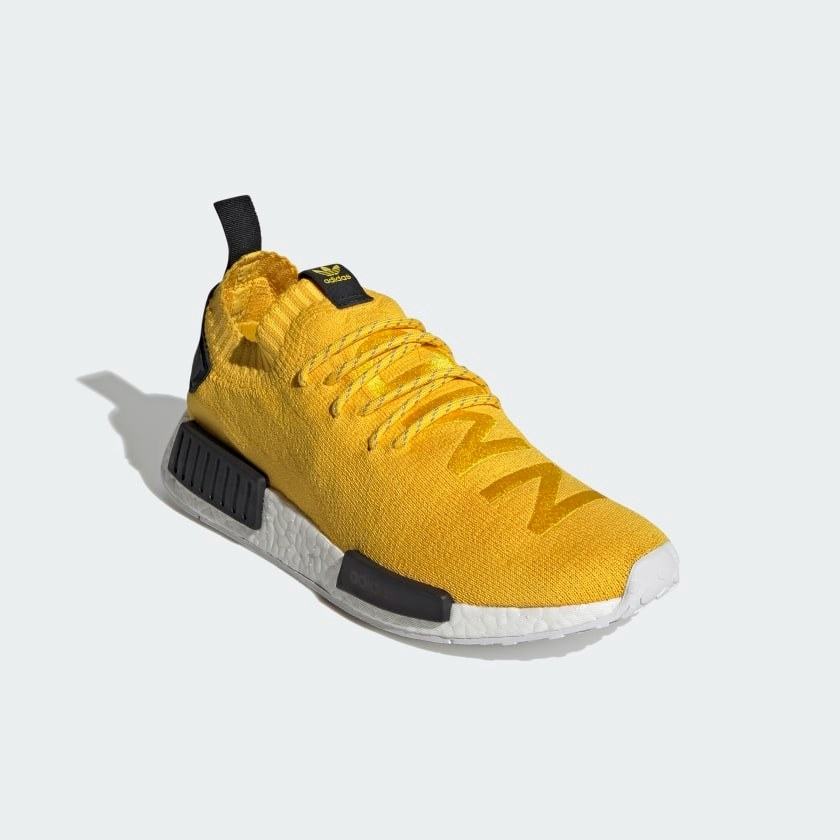 The shoe in yellow