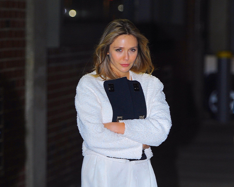 Elizabeth Olsen on the streets of Manhattan in 2019