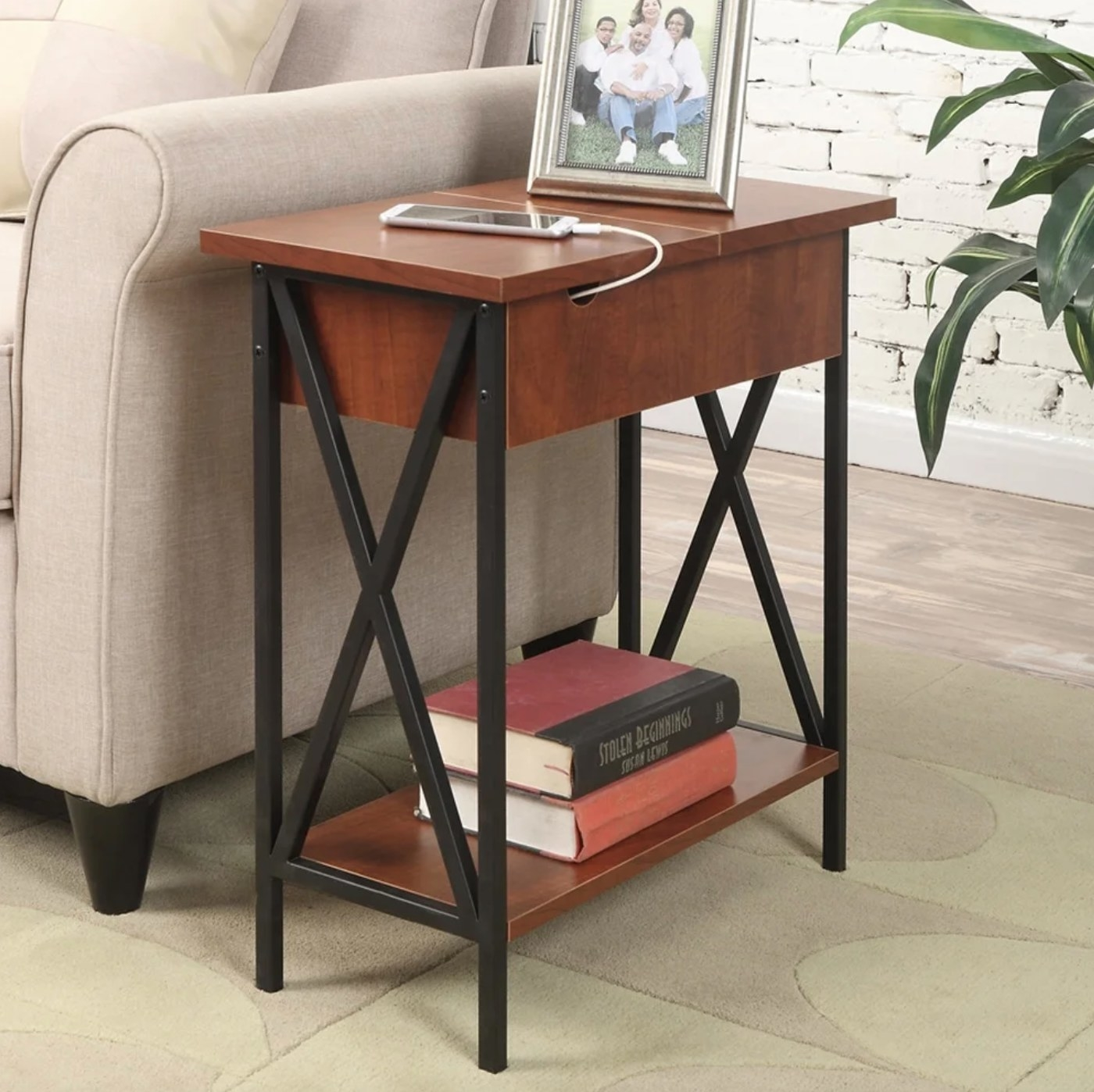 The flip-top side table in cherry