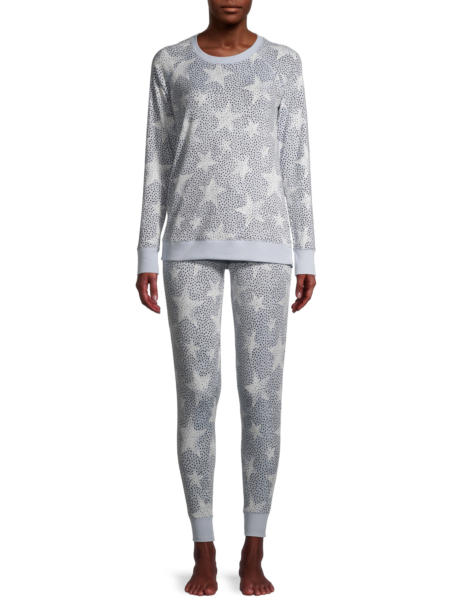 the pajama set with stars on it